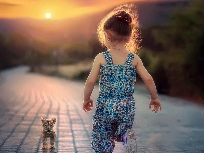 toddler running_girl