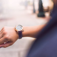 time_wristwatch_woman